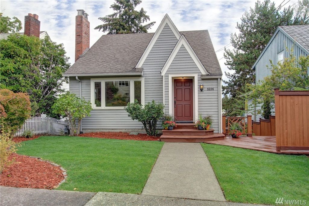 5226 38th Ave NE, Seattle, WA 98105 -  $920,000