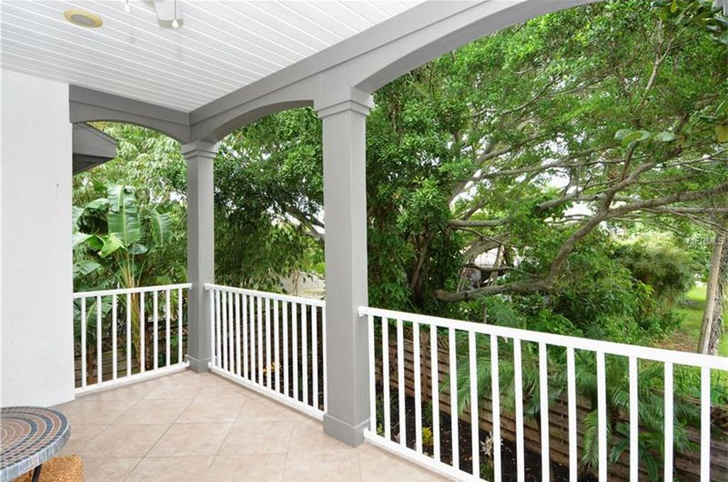 5365 Calle Florida, Sarasota, FL 34242 -  $1,099,000 home for sale, house images, photos and pics gallery