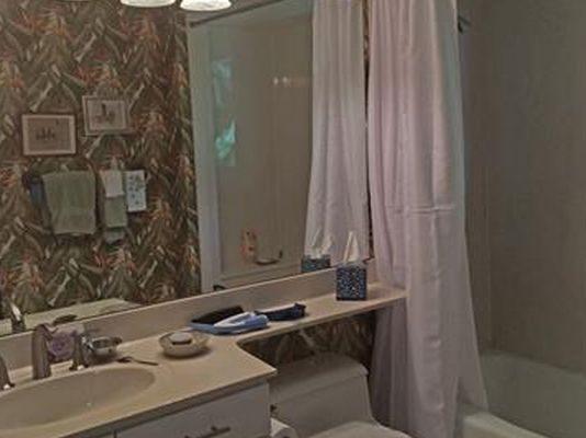 537 Lake Murex Cir, Sanibel, FL 33957 -  $949,000