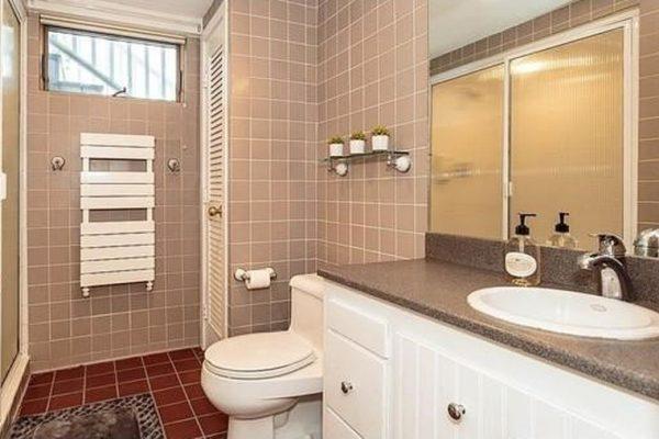 54 Selwyn Rd, Belmont, MA 02478 -  $1,035,000