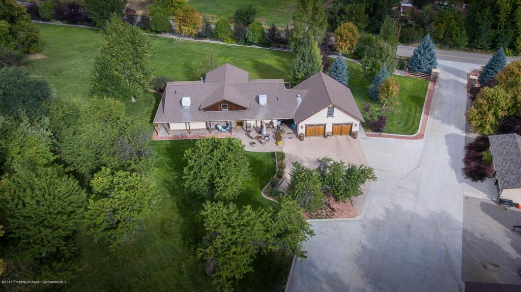 5446 County Road 309, Parachute, CO 81635 -  $900,000 home for sale, house images, photos and pics gallery