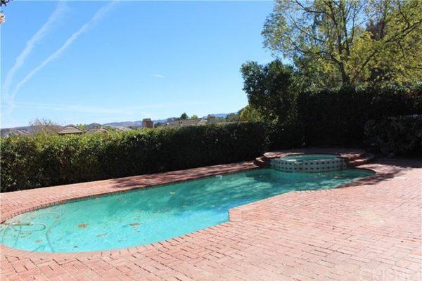 5606 High Peak Pl, Agoura Hills, CA 91301 -  $1,099,000