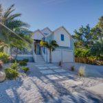 570 Broadway St, Longboat Key, FL 34228 -  $1,099,000