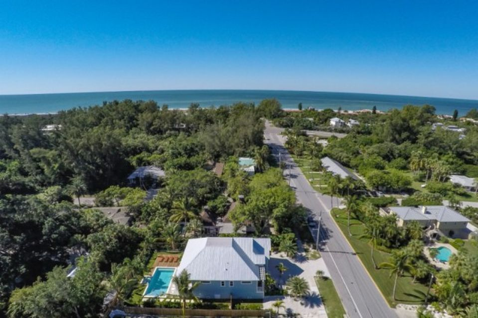 570 Broadway St, Longboat Key, FL 34228 -  $1,099,000 home for sale, house images, photos and pics gallery