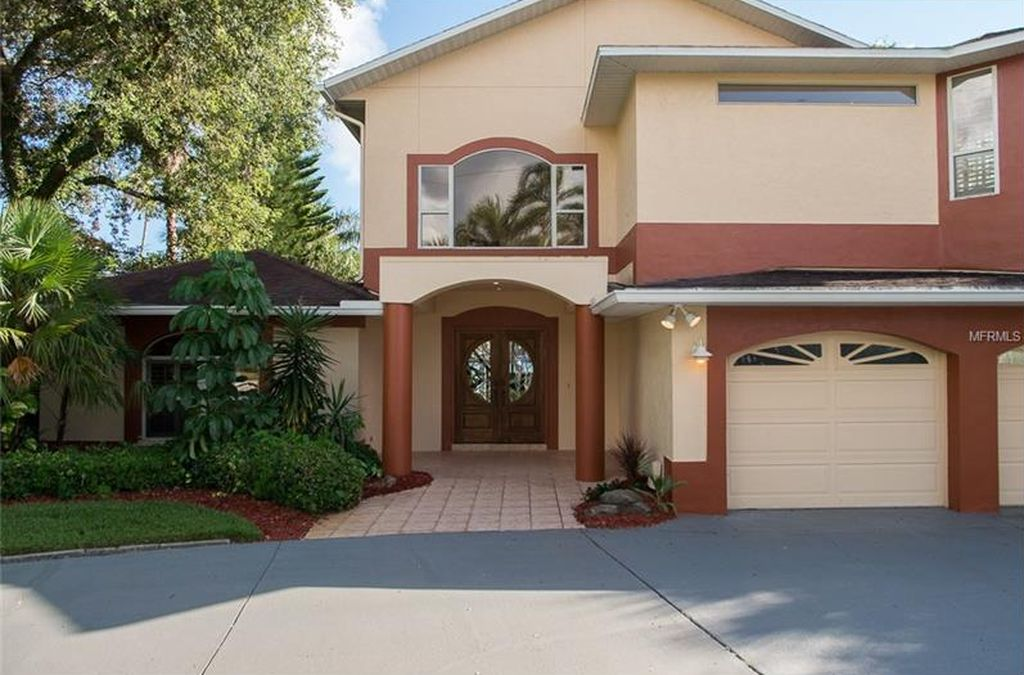 58 Dolphin Dr, Treasure Island, FL 33706 -  $989,900 home for sale, house images, photos and pics gallery