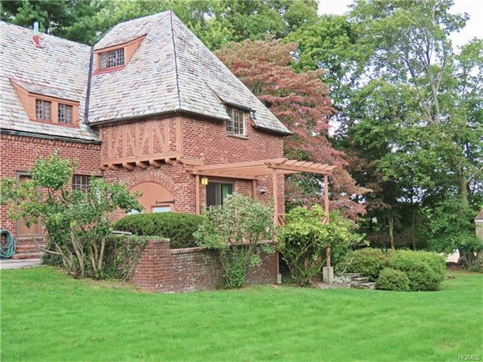 59 Burnside Dr, Hastings On Hudson, NY 10706 -  $968,000 home for sale, house images, photos and pics gallery