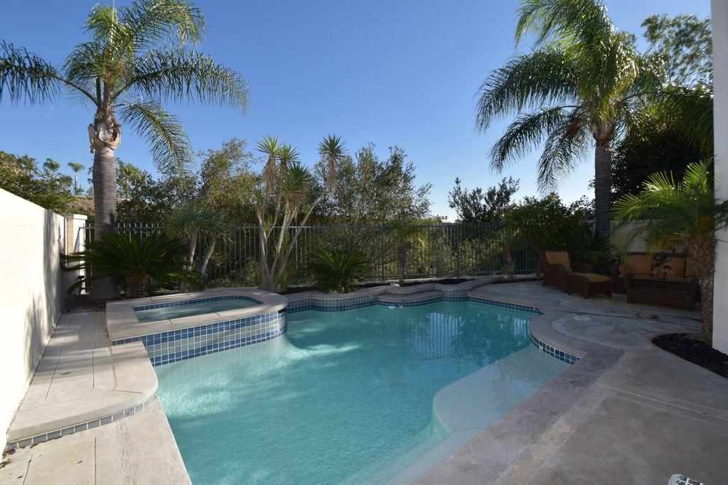 6 Alamitos, Foothill Ranch, CA 92610 -  $989,000