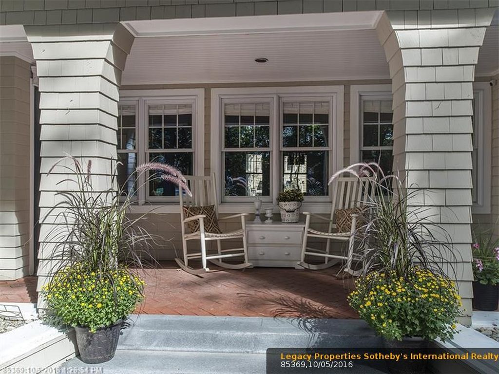 6 Pinewood Ln, Falmouth, ME 04105 -  $1,050,000 home for sale, house images, photos and pics gallery