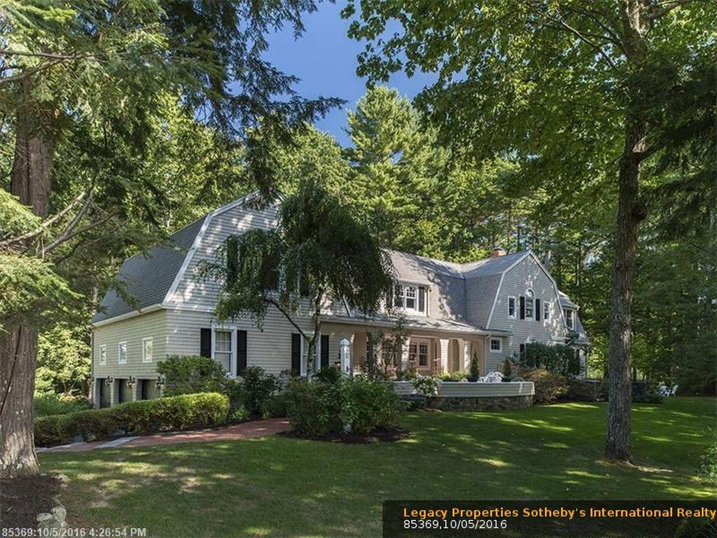 6 Pinewood Ln, Falmouth, ME 04105 -  $1,050,000