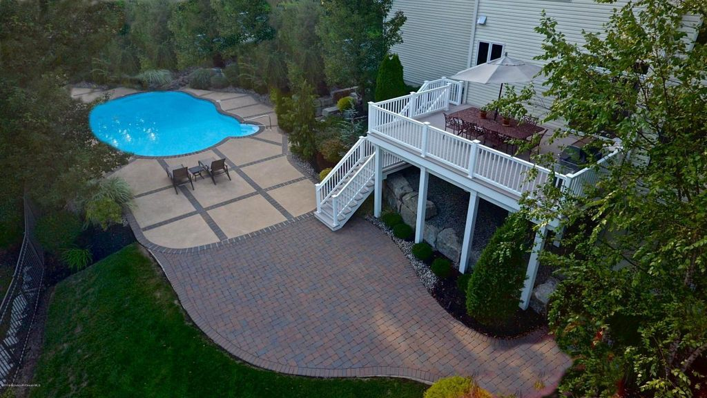 6 Steven Ct, Middletown, NJ 07748 -  $1,125,000 home for sale, house images, photos and pics gallery