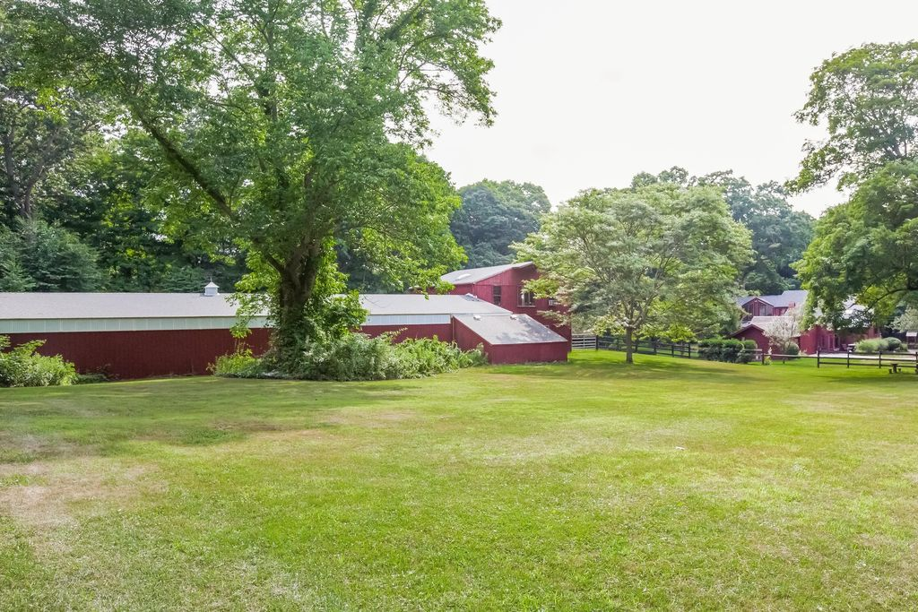 605 Green Hill Rd, Madison, CT 06443 -  $995,000 home for sale, house images, photos and pics gallery