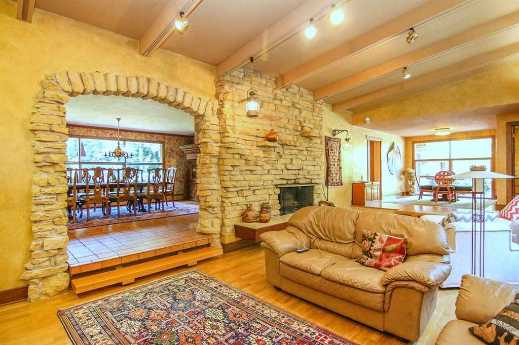 6117 S Highlands Ave, Madison, WI 53705 -  $950,000 home for sale, house images, photos and pics gallery