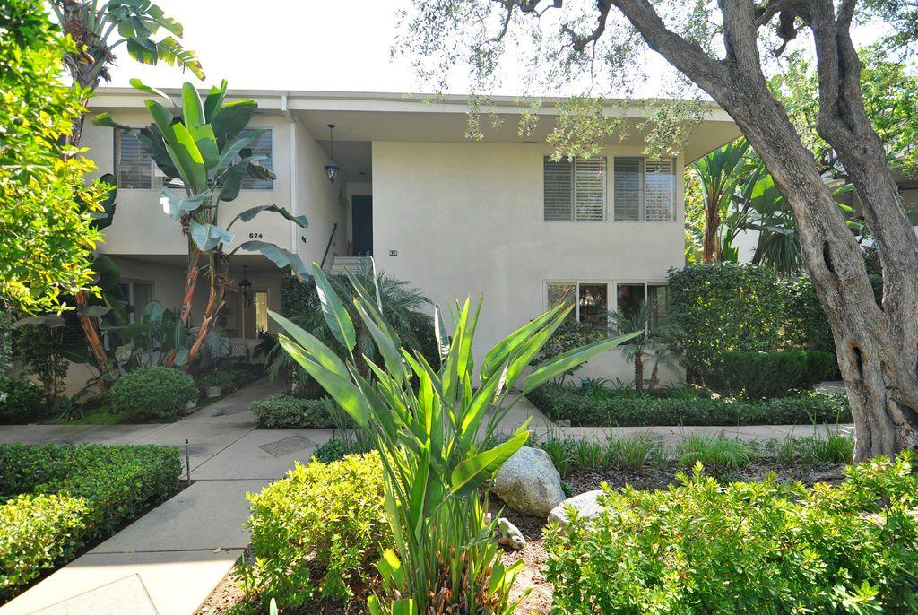 624 S Orange Grove Blvd, Pasadena, CA 91105 -  $880,000