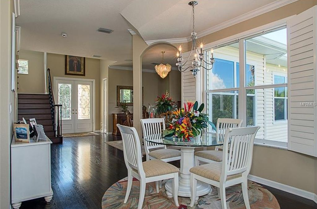 657 Soundview Dr, Palm Harbor, FL 34683 -  $1,129,000 home for sale, house images, photos and pics gallery