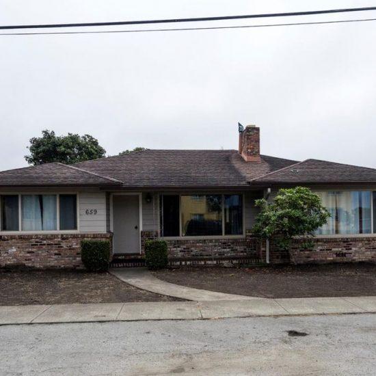 659 Grove St, Half Moon Bay, CA 94019 -  $899,000