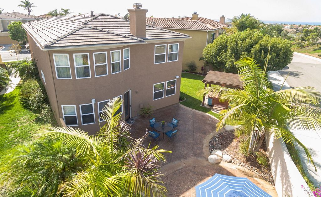 6758 Caurina Ct, Carlsbad, CA 92011 -  $988,000 home for sale, house images, photos and pics gallery