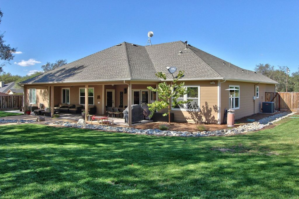 6810 High Cliff Rd, Loomis, CA 95650 -  $1,049,000 home for sale, house images, photos and pics gallery