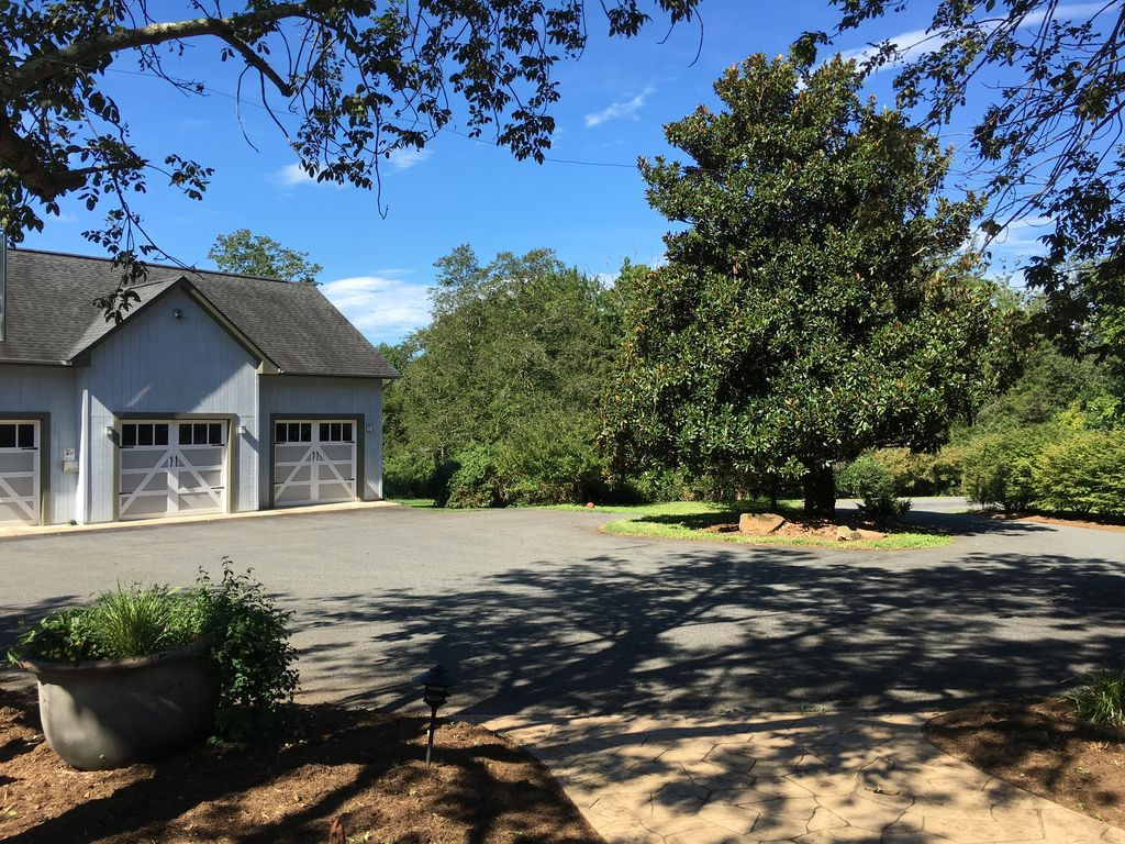697 Langdon Dr, Dyke, VA 22935 -  $1,100,000 home for sale, house images, photos and pics gallery