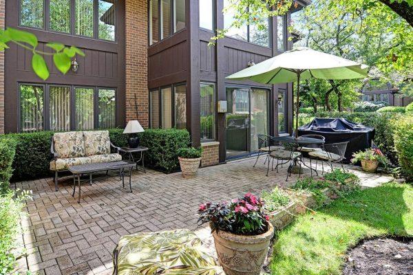 6S730 Pinecrest Ct, Hinsdale, IL 60521 -  $985,000