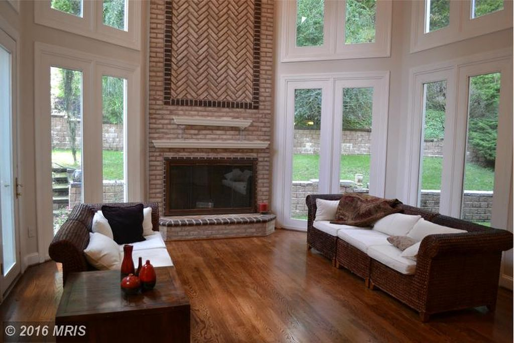 7 Chamaral Ct, Cockeysville, MD 21030 -  $1,195,000 home for sale, house images, photos and pics gallery