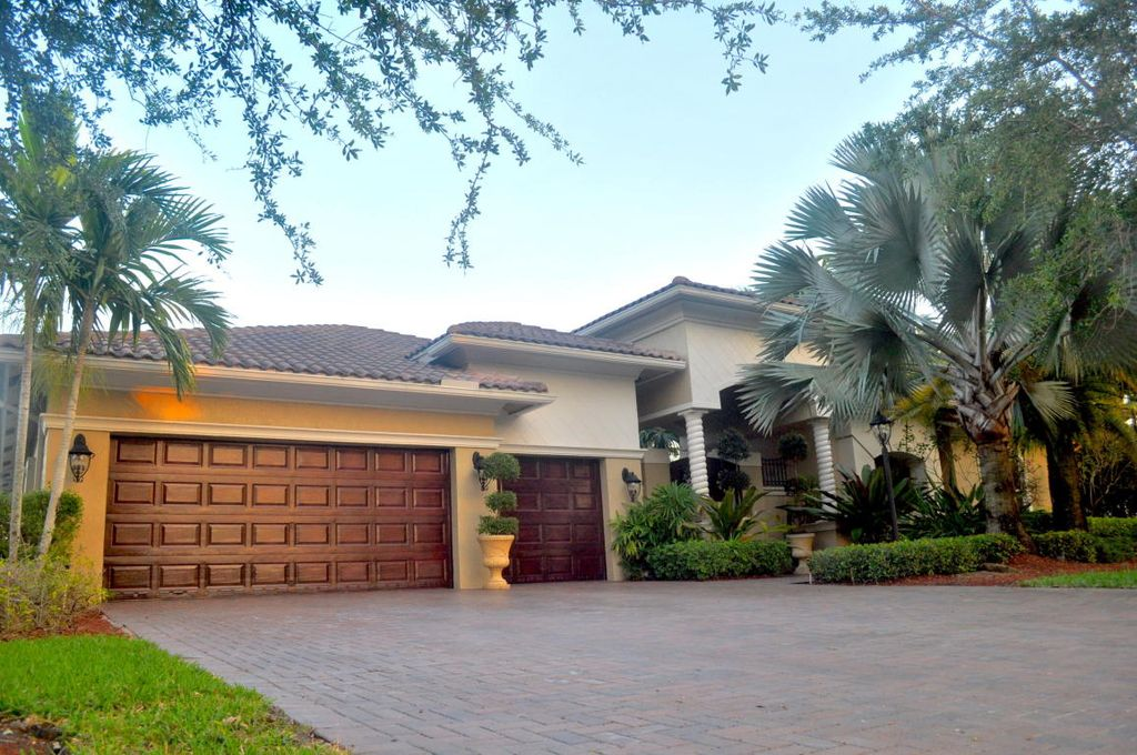 7096 NW 127th Way, Parkland, FL 33076 -  $949,500 home for sale, house images, photos and pics gallery