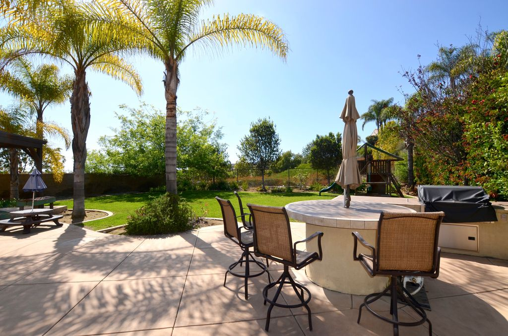 7345 Corte Brisa, Carlsbad, CA 92009 -  $1,194,000 home for sale, house images, photos and pics gallery