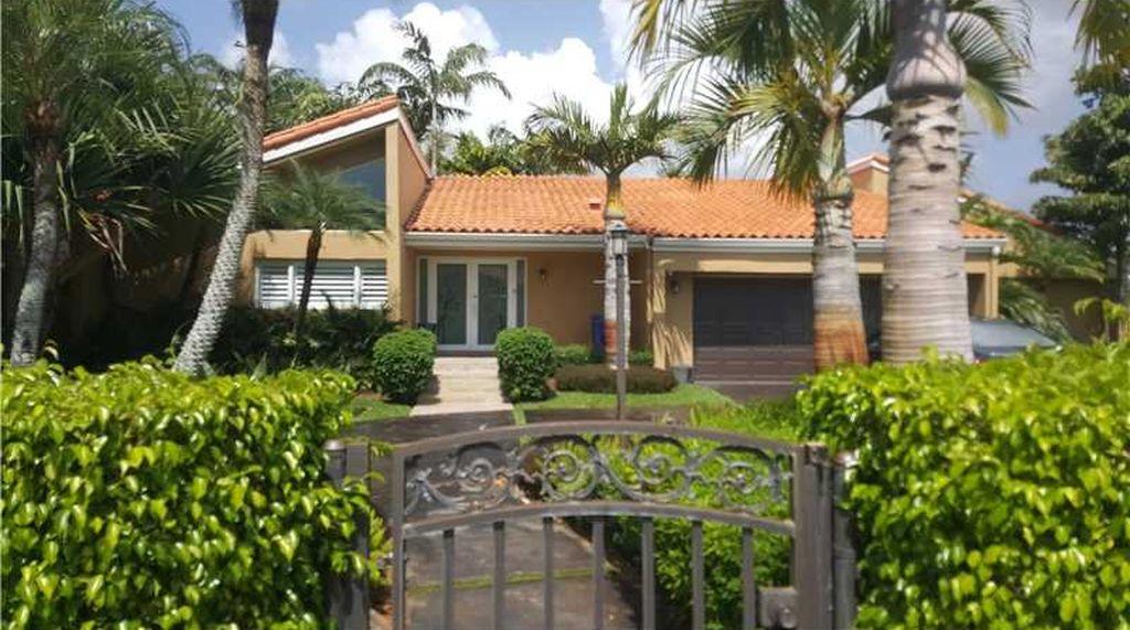 7800 SW 86th Ct, Miami, FL 33143 -  $975,000