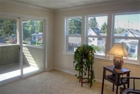 7914 123rd Ave NE, Kirkland, WA 98033 -  $1,045,000 home for sale, house images, photos and pics gallery