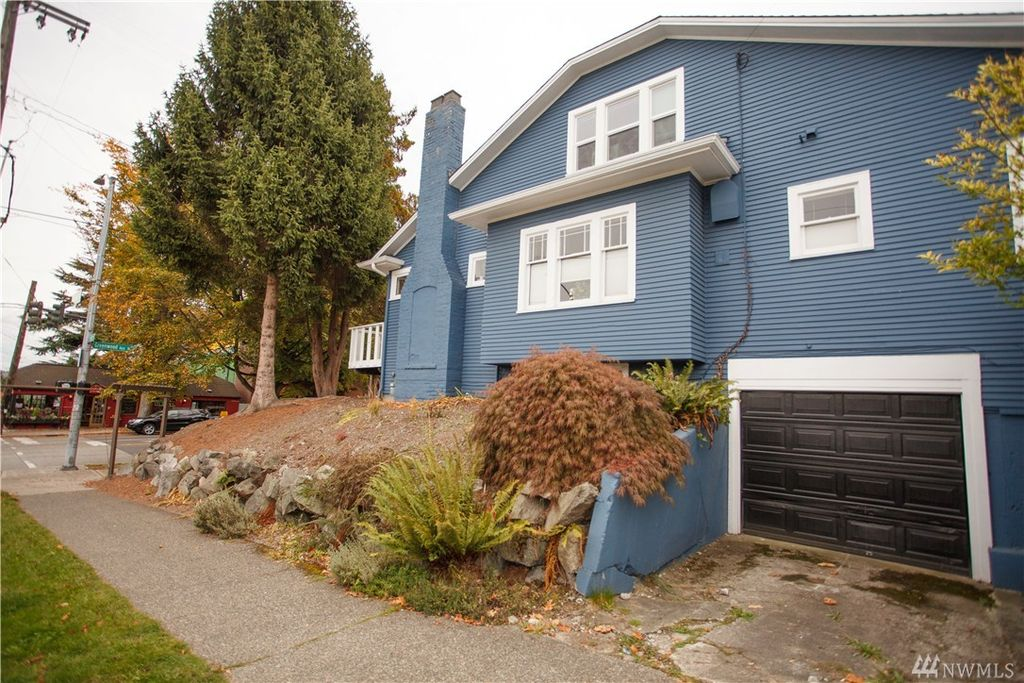 7919 Greenwood Ave N, Seattle, WA 98103 -  $900,000 home for sale, house images, photos and pics gallery