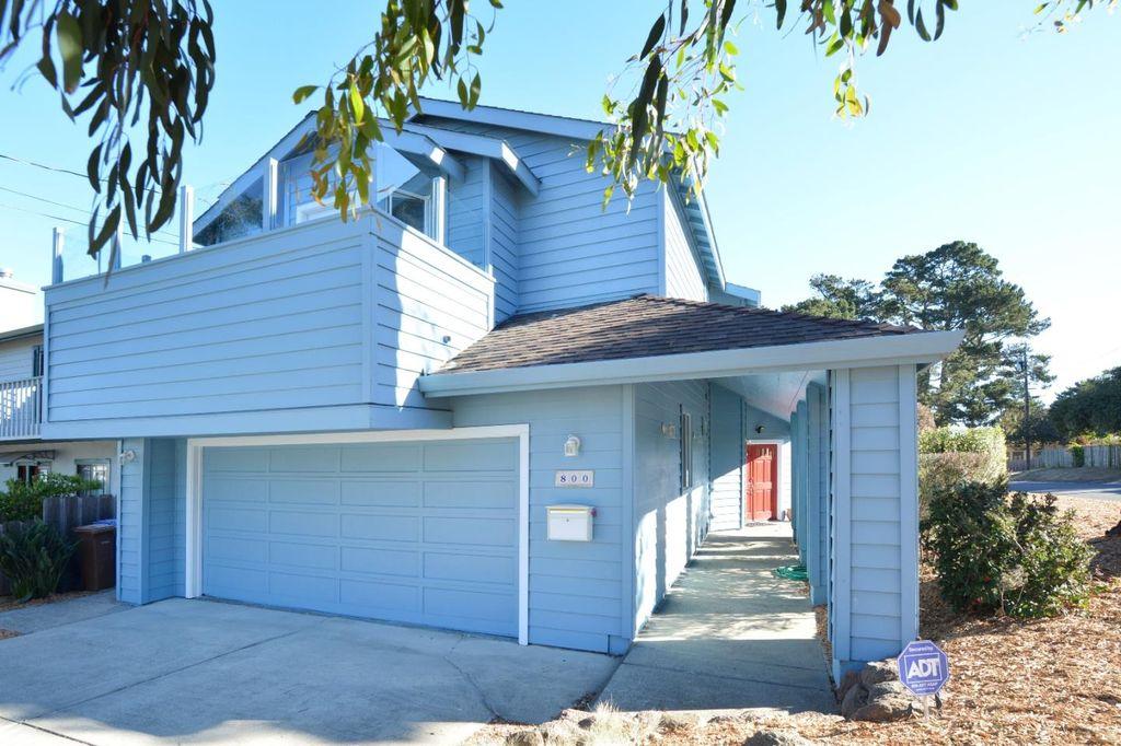 800 Jessie St, Monterey, CA 93940 -  $1,049,000