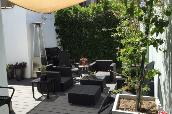 8109 Waring Ave, Los Angeles, CA 90046 -  $989,000