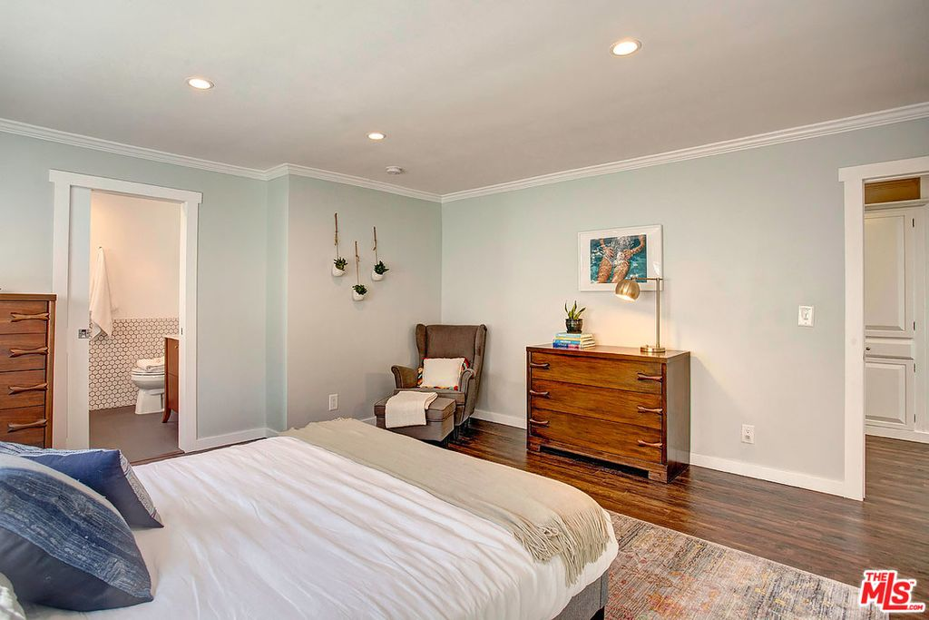 8125 Winsford Ave, Los Angeles, CA 90045 -  $949,000 home for sale, house images, photos and pics gallery