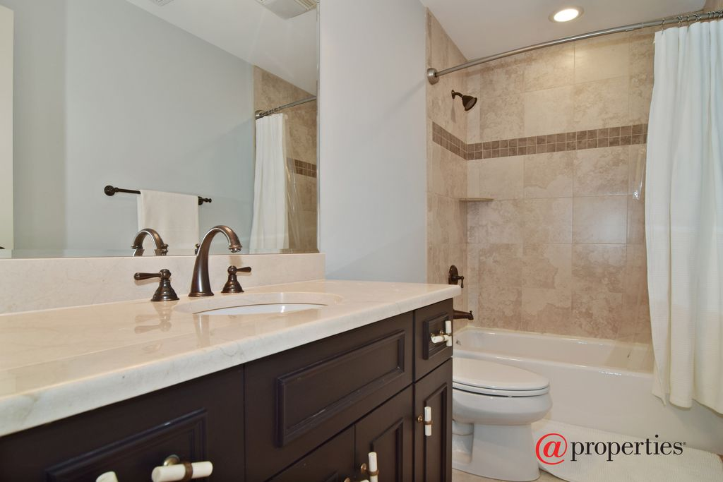 845 S Poplar Ave, Elmhurst, IL 60126 -  $919,000 home for sale, house images, photos and pics gallery