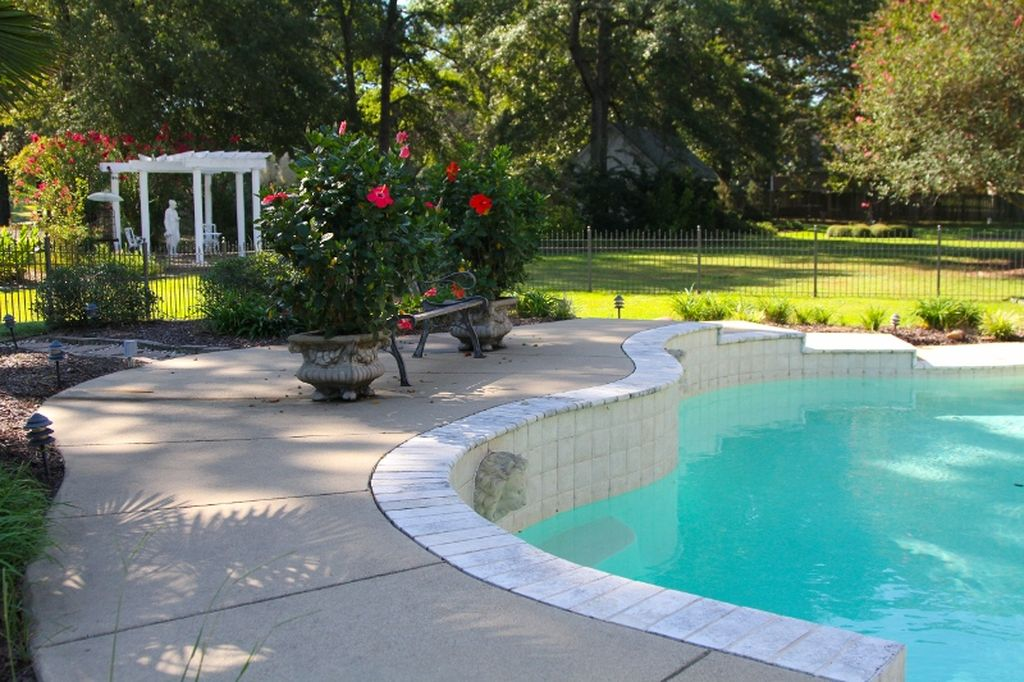 8504 Quail Hollow Dr, Texarkana, TX 75503 -  $1,125,000 home for sale, house images, photos and pics gallery