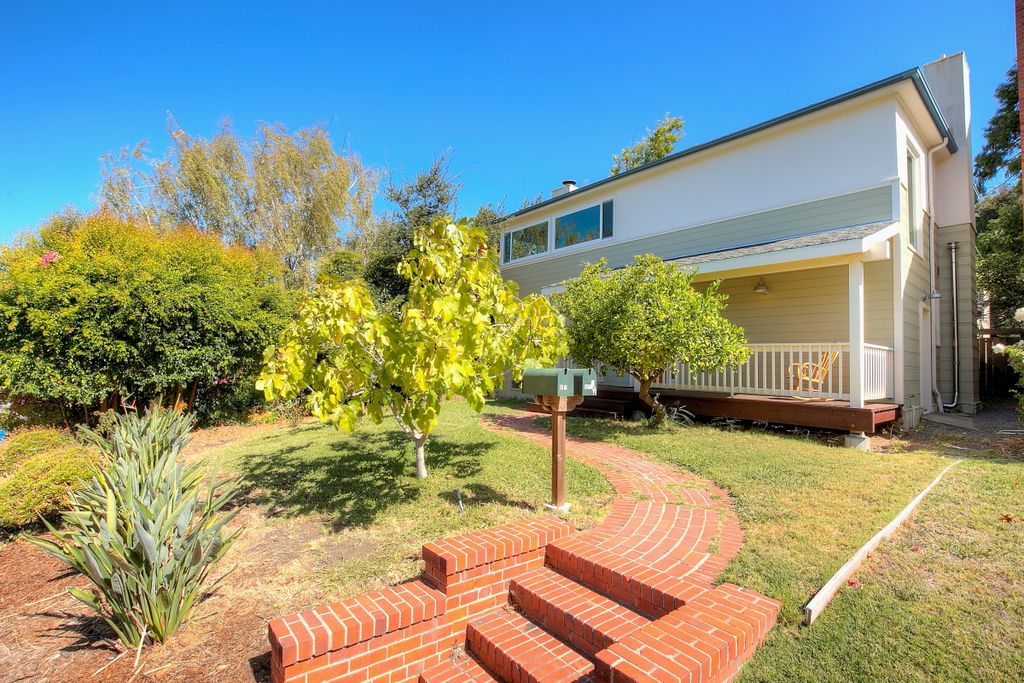 891 Willow St, Martinez, CA 94553 -  $972,000