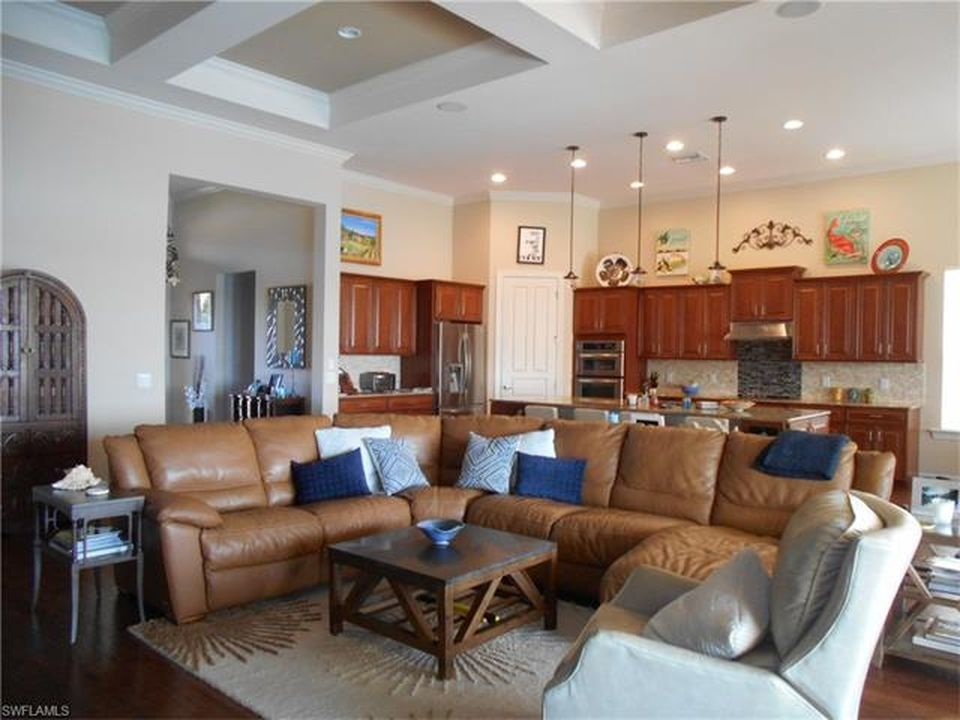 8965 Quarry Dr, Naples, FL 34120 -  $899,000 home for sale, house images, photos and pics gallery