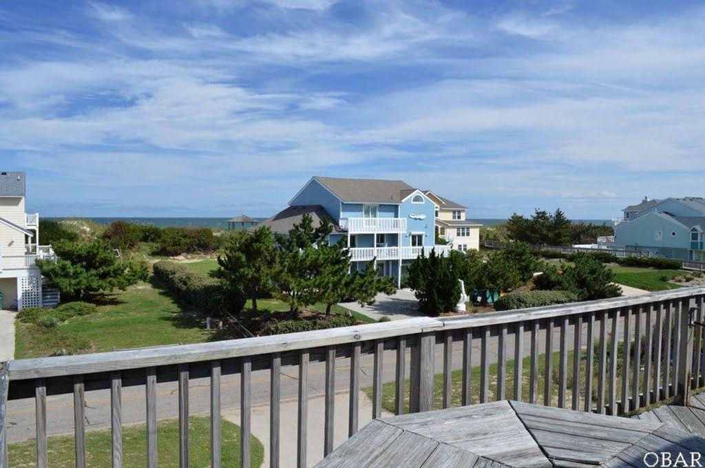 902 Lighthouse Dr, Corolla, NC 27927 -  $995,000 home for sale, house images, photos and pics gallery