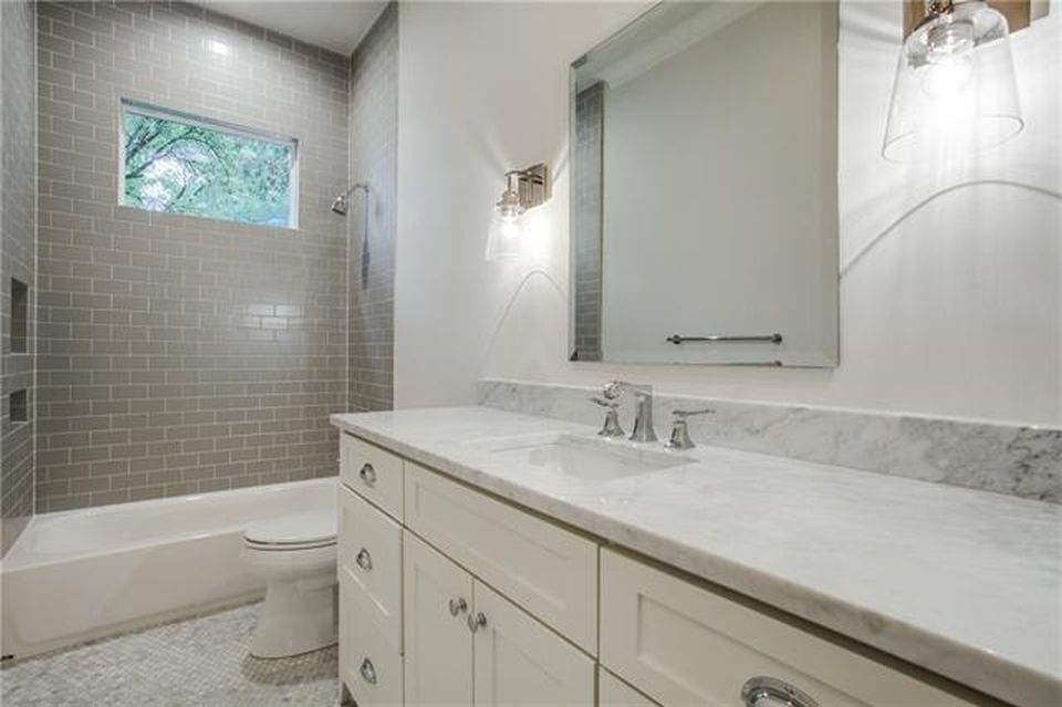 9644 Lakemont Dr, Dallas, TX 75220 -  $950,000 home for sale, house images, photos and pics gallery