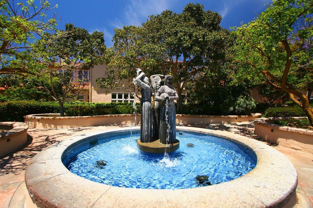 9671 Claiborne Sq, La Jolla, CA 92037 -  $1,100,000