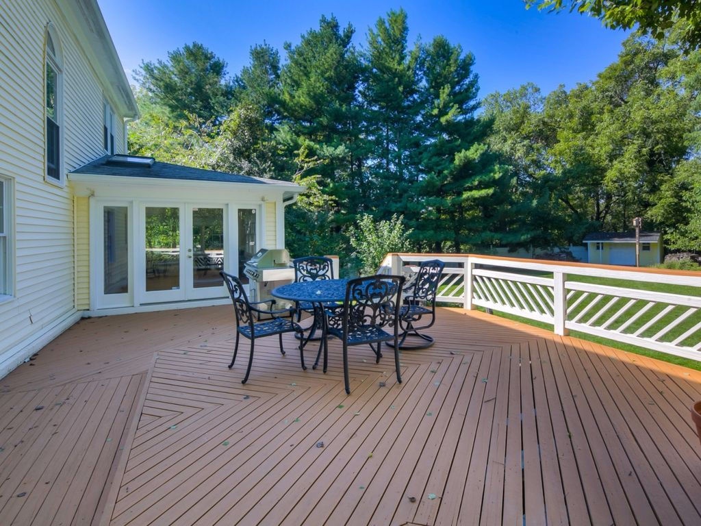 9814 Oak Valley Ct, Vienna, VA 22181 -  $1,050,000 home for sale, house images, photos and pics gallery