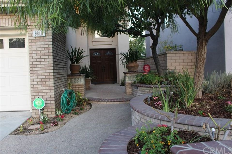 9840 Novara Ln, Cypress, CA 90630 -  $1,075,000 home for sale, house images, photos and pics gallery