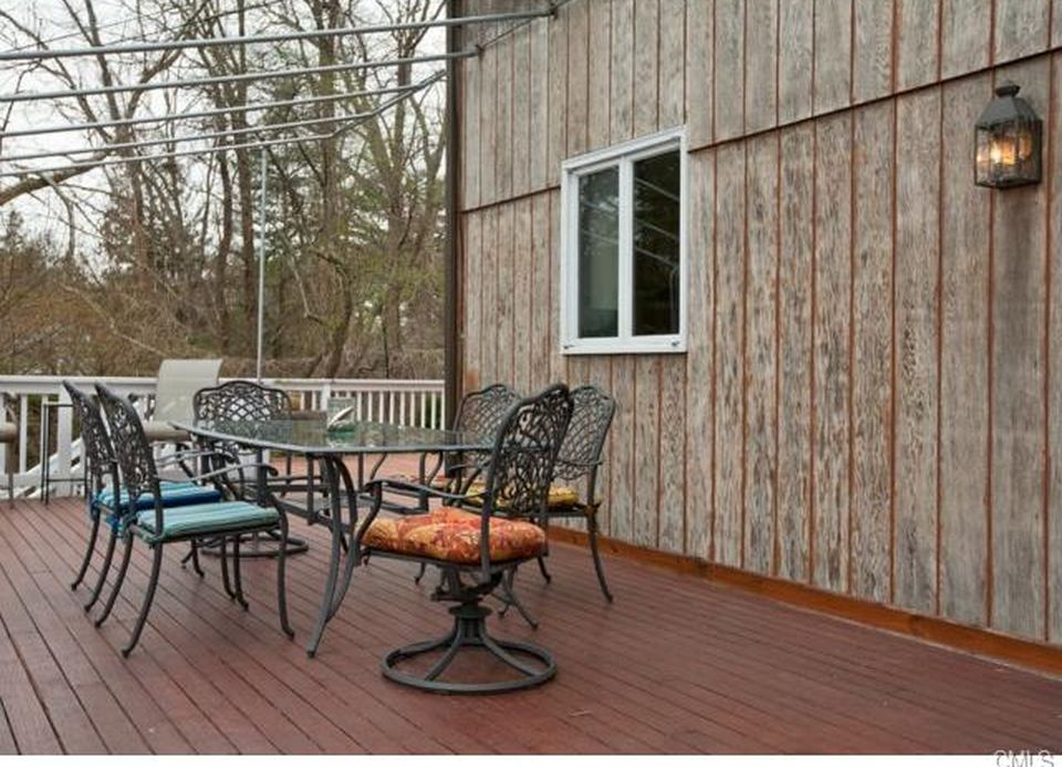 99 Hillspoint Rd, Westport, CT 06880 -  $925,000 home for sale, house images, photos and pics gallery