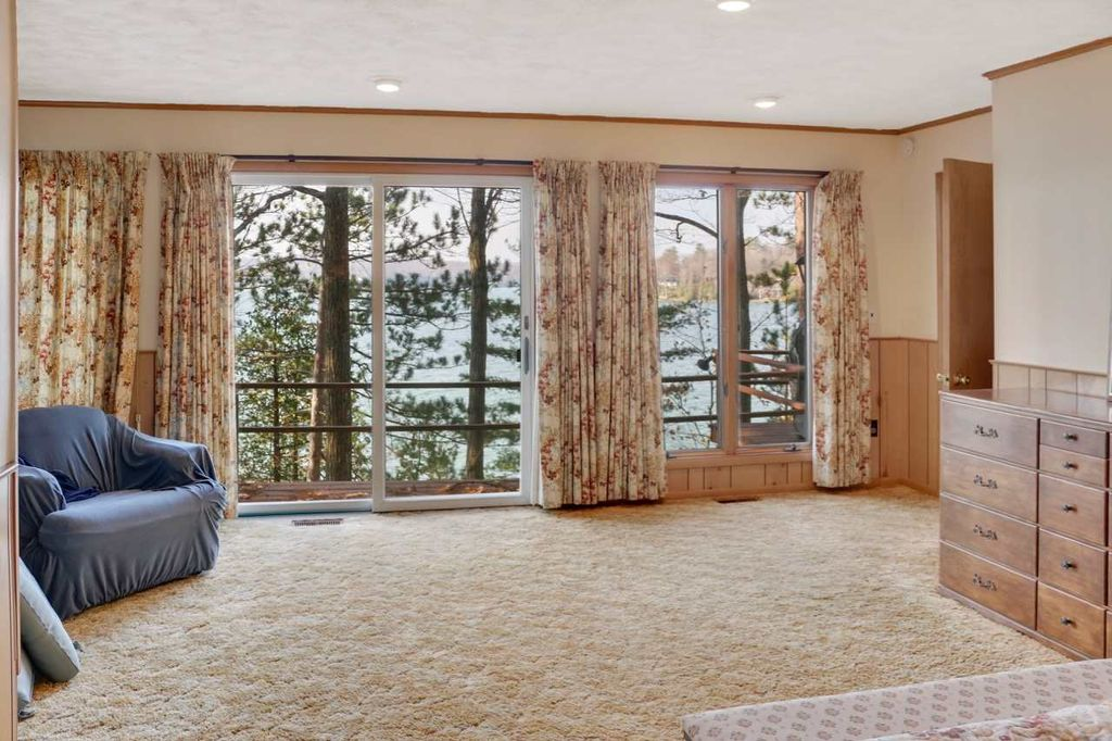 00776 Whitfield View Ln, Walloon, MI 49796 -  $1,090,000 home for sale, house images, photos and pics gallery