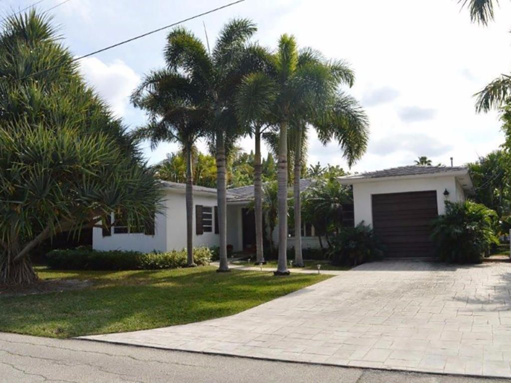 1024 White Dr, Delray Beach, FL 33483 -  $1,195,000