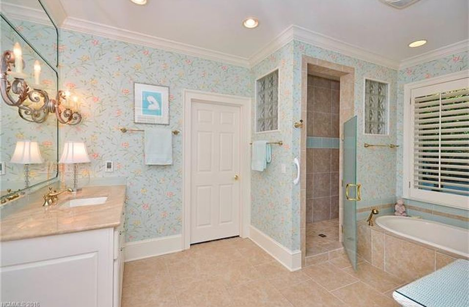 103 Cliffbrook Ct, Flat Rock, NC 28731 -  $1,090,000 home for sale, house images, photos and pics gallery
