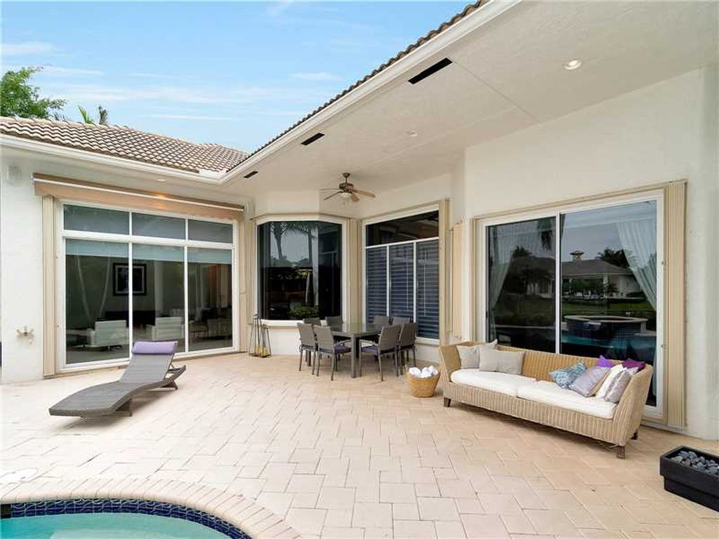 10889 Blue Palm St, Plantation, FL 33324 -  $1,045,000 home for sale, house images, photos and pics gallery