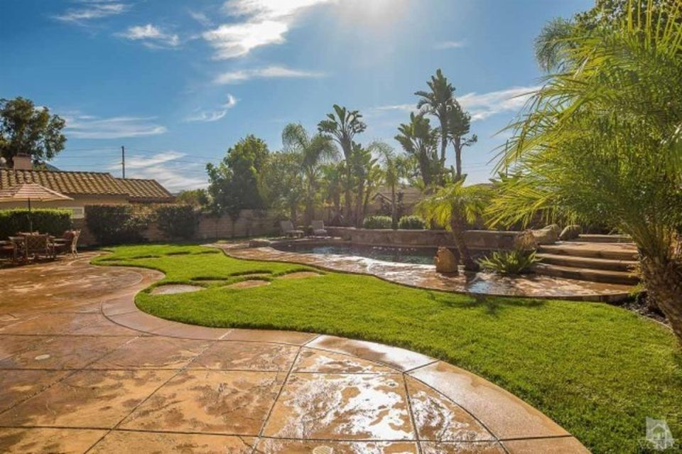 1095 Via Rafael, Thousand Oaks, CA 91320 -  $1,149,900 home for sale, house images, photos and pics gallery