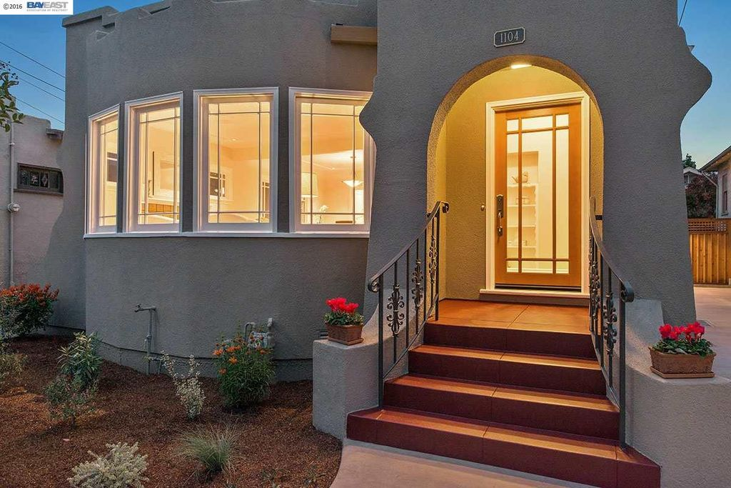 1104 Fountain St, Alameda, CA 94501 -  $1,095,000 home for sale, house images, photos and pics gallery