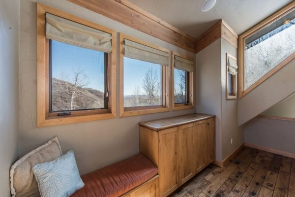 1125 W Tollgate Canyon Rd, Park City, UT 84098 -  $1,100,000
