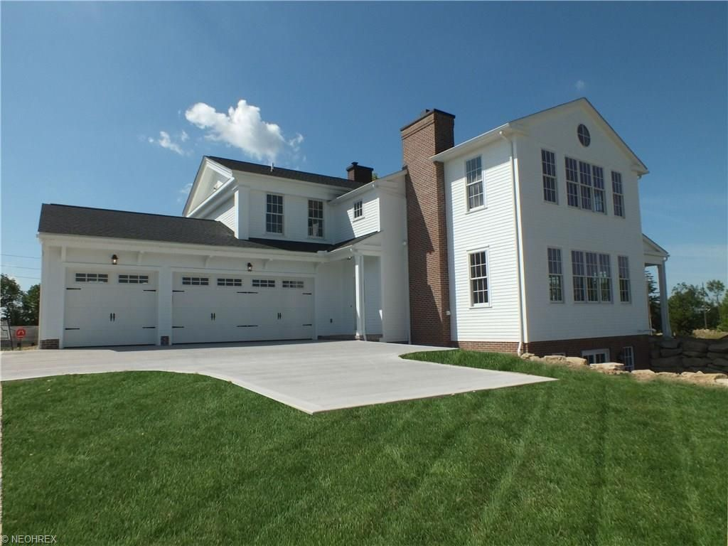 115 E Summit St, Chagrin Falls, OH 44022 -  $1,050,000 home for sale, house images, photos and pics gallery